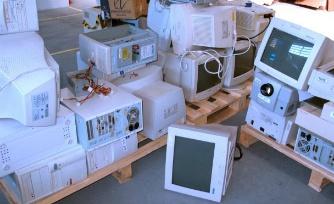 Conserte, doe, reutilize ou recicle, mas não jogue seus eletrônicos no lixo comum.