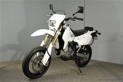 2009 Suzuki DRZ-400 Dual Sport Motorcycle My hubby has a 2011 it's a lot of fun!