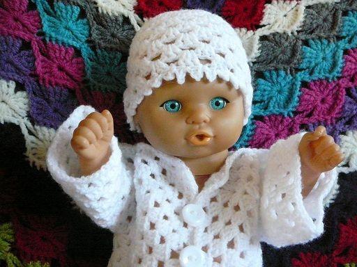 LINDEVROUWSWEB: Granny Babyvestje met muts en slofjes