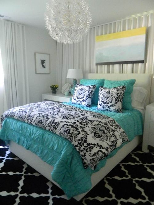 Beautiful bedroom with turquoise bedding and accents for for Black and white and turquoise bedroom ideas