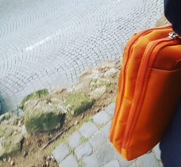 Mia #borsa #arancione. #gadgetbrand #brand #branding