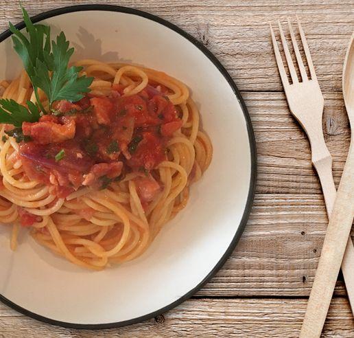 spaghetti amatriciana italian food trend