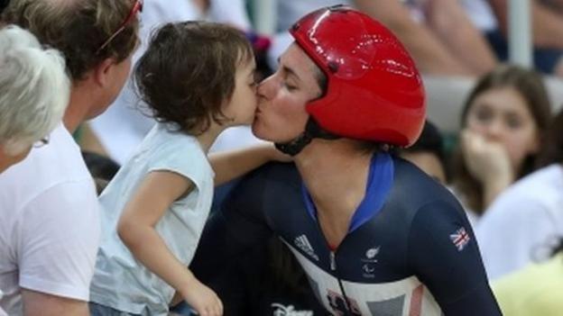 Rio Paralympics 2016: Dame Sarah Storey wins 12th Paralympic gold medal - BBC Sport