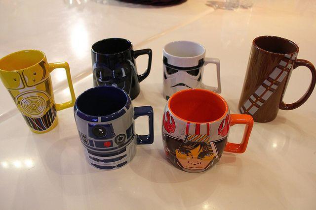 Star Wars Disney Store merchandise reveal by insidethemagic, via Flickr. Star Wars Mugs. I WANT THEM !!! Star Wars Tassen.