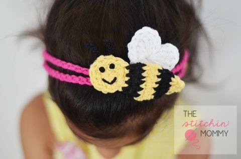 """""""Bee Mine"""" Crochet Headband - Free Pattern   www.thestitchinmommy.com #Valentine #crochet #headband #bee #applique"""