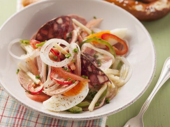 Wurst-Käse-Salat mit Ei ist ein Rezept mit frischen Zutaten aus der Kategorie Fleischsalat. Probieren Sie dieses und weitere Rezepte von EAT SMARTER!