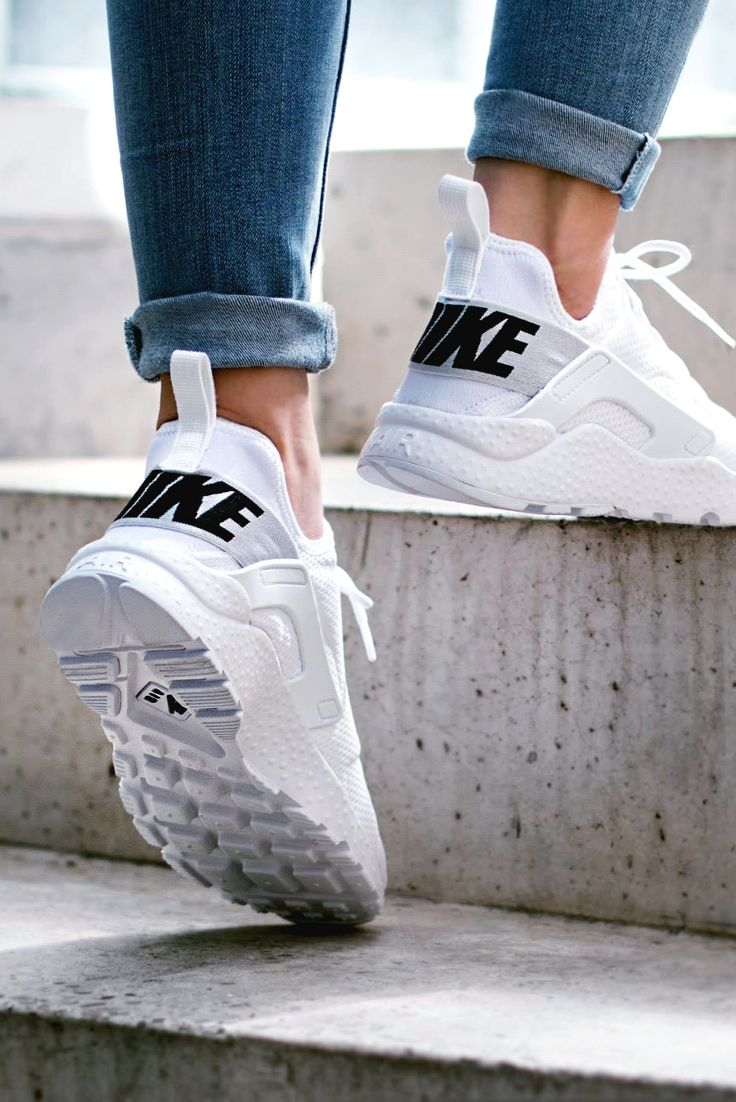 Nike Wmns Air Huarache Run Ultra 'White/Black' (via Kicks-daily.com)