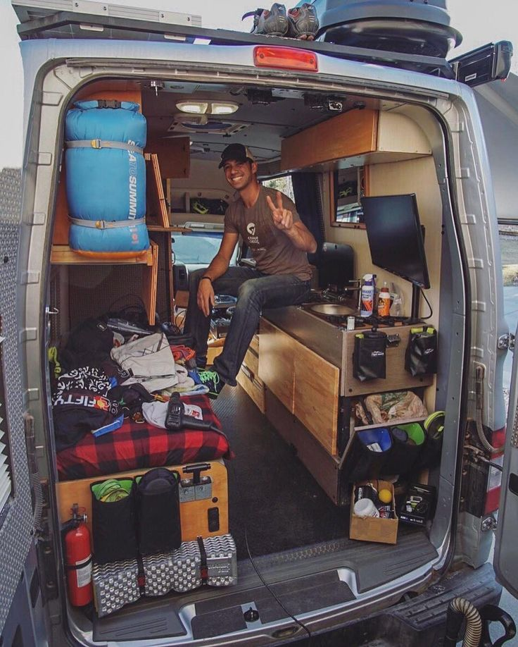 17 best images about 0 van dwelling on pinterest cargo trailers the van and sprinter van. Black Bedroom Furniture Sets. Home Design Ideas