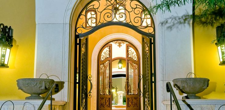 619 best images about iron work on pinterest entry gates - Puertas de hierro modernas ...