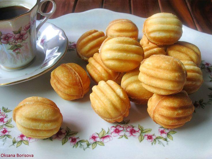 """Вкусное, рассыпчатое печенье """"Орешки"""" знакомое с детства.   250 г маргарина  1 стакан сахара  1 яйцо  100 г сметаны (густой)  100 г майо..."""