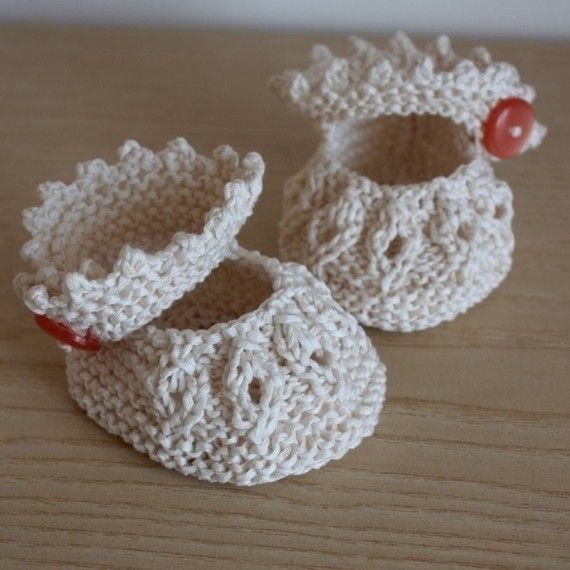 INSTANT DOWNLOAD - Knitting Pattern (PDF file) - Baby Shoes Vanilla ( sizes 0-6/6-12 months)