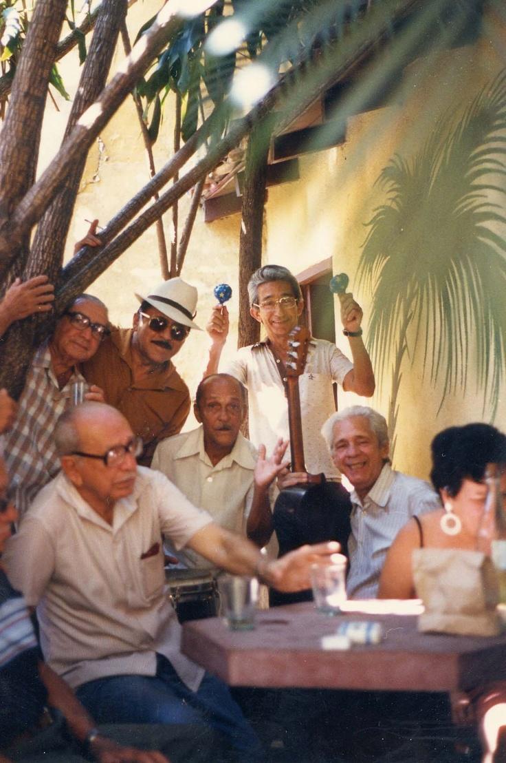 Cuba - Casa de la trova en Camaguey  juventud eterna!!!