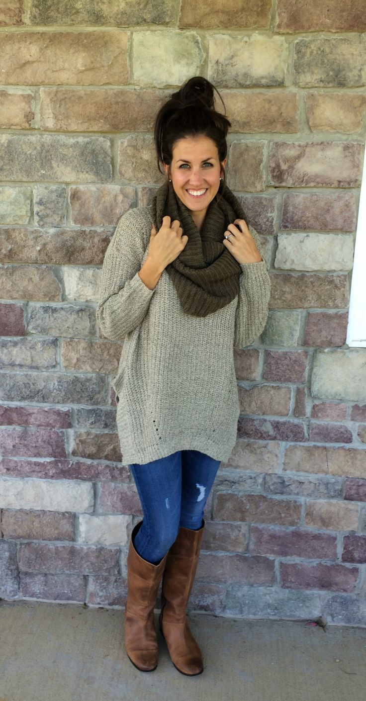 What I Wore, Real Mom Style: Oversized Sweater Outfit #RealMomStyle - momma in flip flops