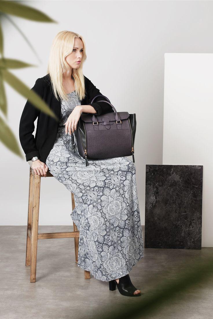 It Bag : Sofia fait son retour dans le nouveau coloris cassis-métal!