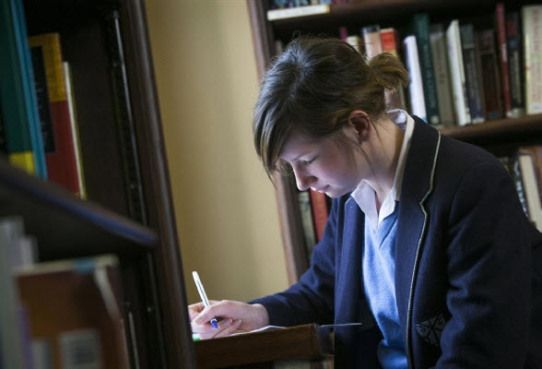 Listed below are some Top 10 Step How To Become A Clever Student and pass your exams with flying colors.