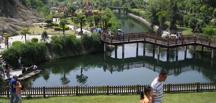 Área de Turismo Cultural y Ecológica Huangpi Mulan - http://www.absolut-china.com/area-turismo-cultural-ecologica-huangpi-mulan/