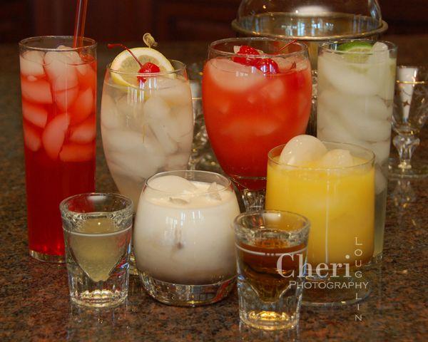 10 drinks we remember: Sloe Gin Fizz, Vodka Collins, Kamikaze, Alabama Slammer, Colorado Bulldog, Three Wise Men, Toasted Almond, Jolly Zima, Vodka 7, Bushwhacked.