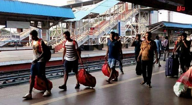 Kolkata: Members of the East Bengal team and prominent names in India colours travelled in a General Compartment of Jan Shatabdi Express after exiting from the Fed Cup in Cuttack. The three players Arnab Mondal, Narayan Das and Mehtab Hossain were returning home to Kolkata after participating in...