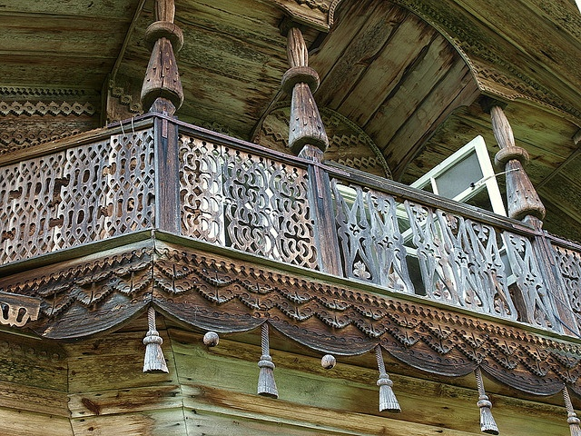 Beautiful wooden architecture in Siberia by olympuser, via Flickr