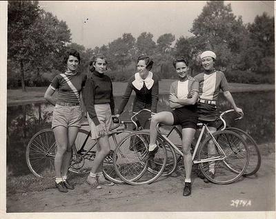 Vintage bicycle girl gang awesomeness.
