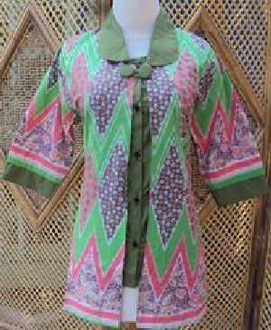 Blus Batik Sistar Hijau Bahan katun, batik printing, ukuran lingkar dada 90-100cm