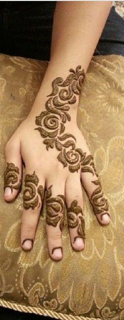 Rosey arabic henna by Tasneem