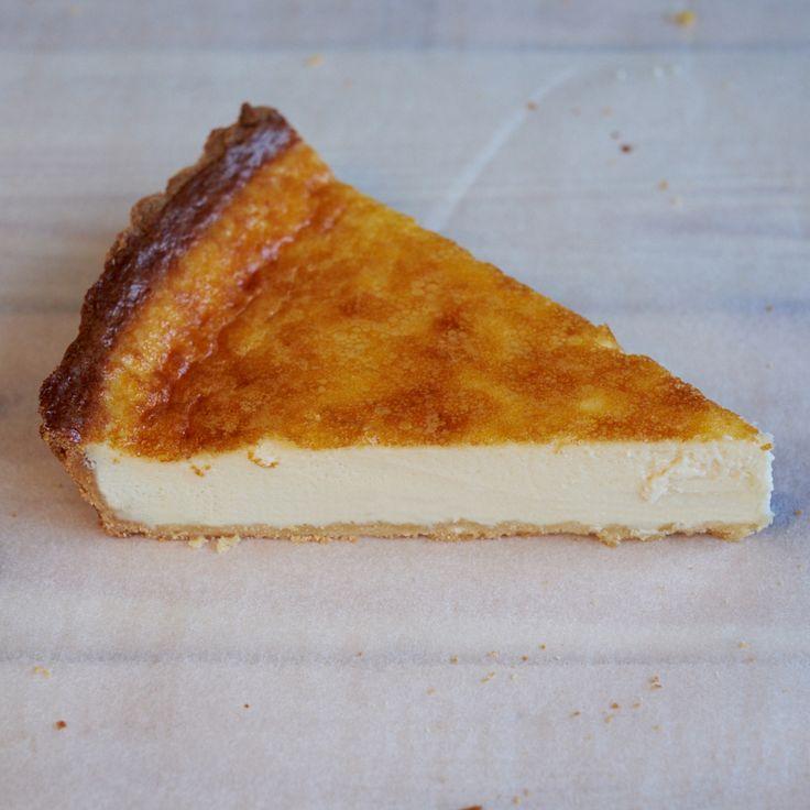 Receta de tarta de queso al horno de Samantha Vallejo-Nágera. Postre rico y fácil de hacer para toda la familia.