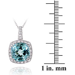 @Overstock - This timeless pendant is set with a cushion-cut blue topaz and highlighted by round-cut cubic zirconia. This necklace is made of sterling silver and features an 18-inch chain.http://www.overstock.com/Jewelry-Watches/Glitzy-Rocks-Sterling-Silver-10.35-CTW-Blue-Topaz-and-Cubic-Zirconia-Necklace/5156711/product.html?CID=214117 $43.99: Simple Outfit, Round Cut Cubic, Blue Topaz, Gift Ideas, Cushion Cut Blue, Cubic Zirconia, Gorgeous Cushion Cut, Favorite Outfit