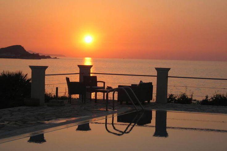 Een vakantiehuis op Corfu met een uitzicht! Bekijk dan deze villa in Karousades eens!