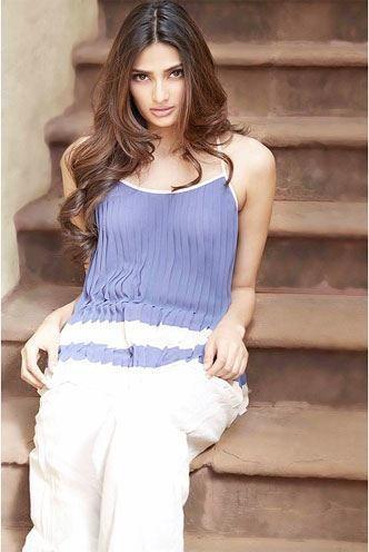 Athiya Shetty style
