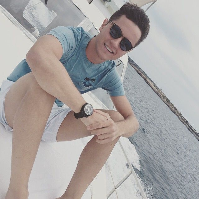 Ander Herrera relaxes on a boat after a tough season. You deserve it, Ander!