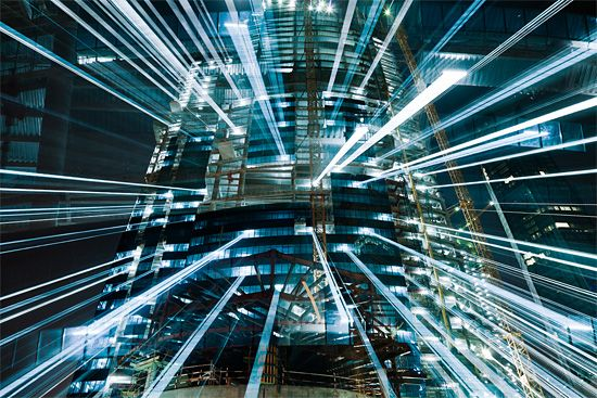 Urban Zoom: Long-Exposure Photography by Jakob Wagner