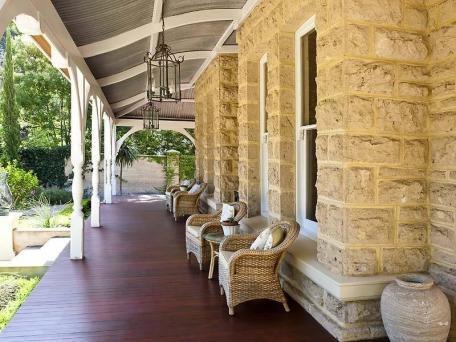 verandah & sandstone