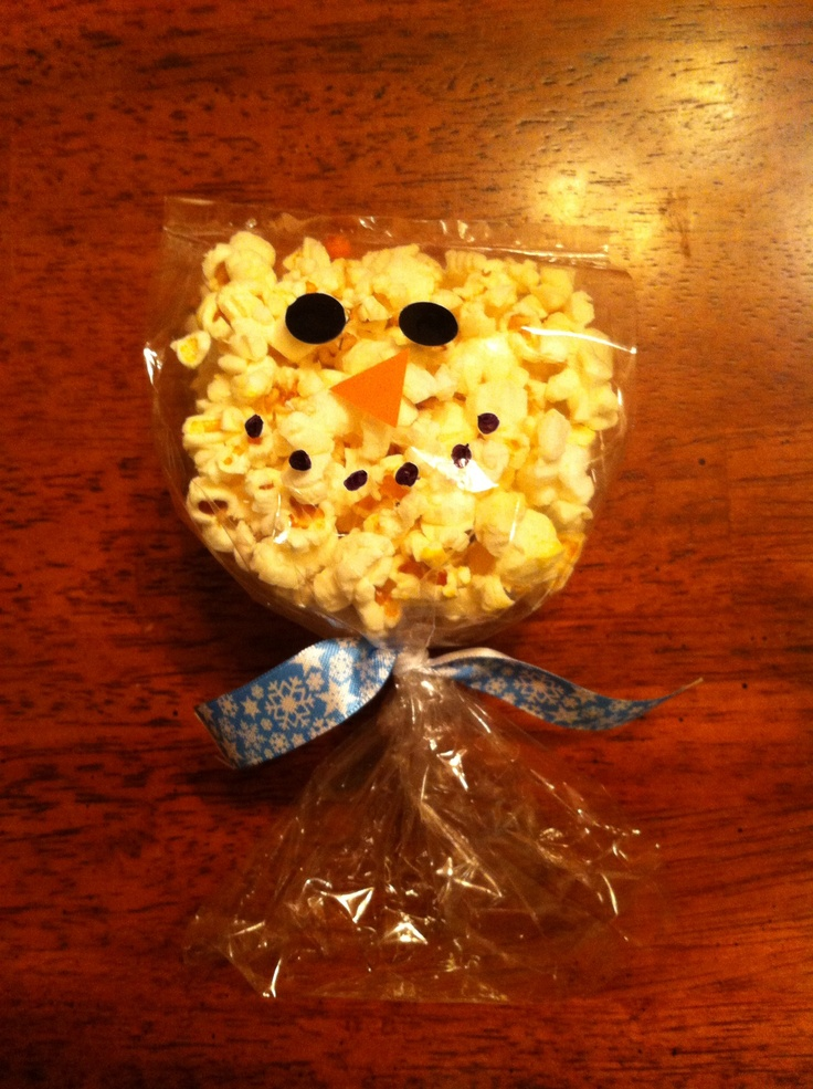 Snowman bags for winter school snack.