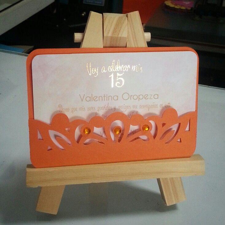 Tarjeta de 15 años en tono naranja #15años #invitaciones #tarjetas