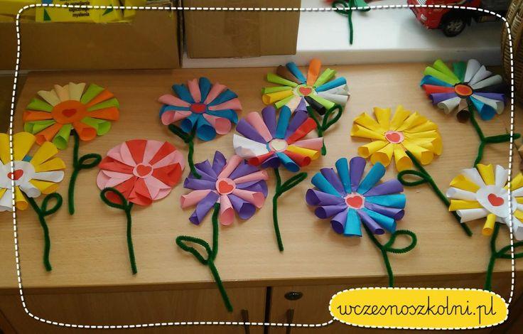 Kwiatek z kółek origami