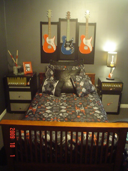 Rock-N-Roll Music Room - Bedroom Designs - Decorating Ideas - HGTV Rate My Space