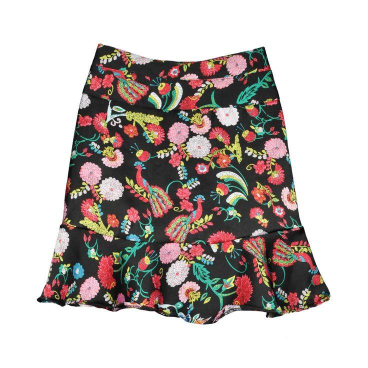 Mini falda de mujer con estampado floral.