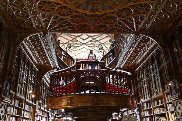 (Livraria Lello, Porto, Portugal) I love books. I would love to have