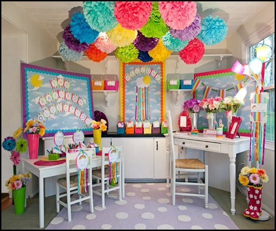 Spring Themed Classroom Decorations : This website has some beyond amazing classroom set up