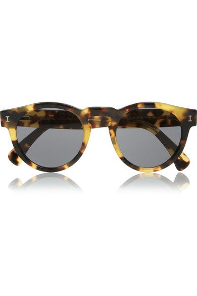 Tortoiseshell acetate 100% UV protection Come in a designer-stamped brown leather hard case Made in Italy