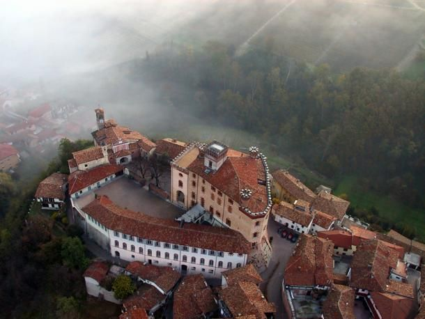An aerial view of Falletti Castle, and the surrounding town of Barolo, where the museum is located. © Museo del Vino a Barolo