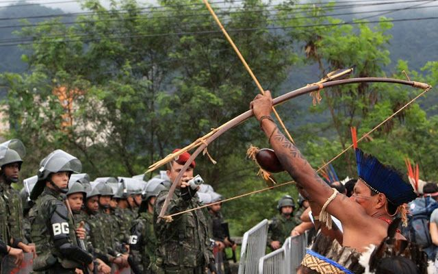 White Wolf : Indigenous peoples from Brazil protest at the UN Rio+20 summit (PHOTOS)