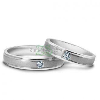 Model cincin kawin nuala mempunyai desain yang simple elegant berhiaskan sebuah permata pada masing-masing cincin. Finishing doff dan gilap  http://zlatajewelry.com/cincin-kawin-nuala-emas-putih-50.html  #weddingring #cincinkawin #cincin #cincintunangan