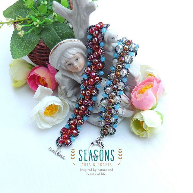 Another #handmadebracelet made by us.  #madewithlove #beadsbracelet #handmadejewelry #handmadejewelries #bracelet #handmadeaccessories #crystalbracelet #fashionaccessories #jualgelang #gelanghandmade #jualaksesoris #gelangpremium #gelangmote