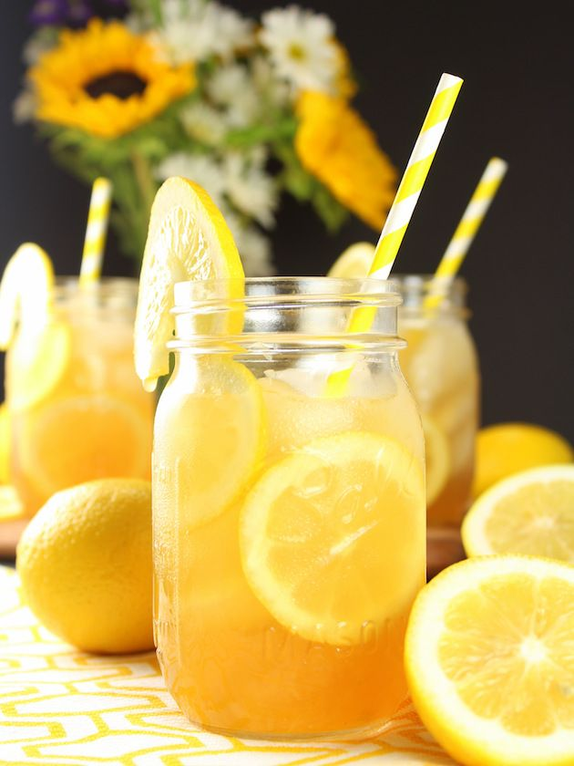 This Loaded Lemon Iced Tea is like sipping on summer! And with only three ingredients it's the perfect low-maintenance cocktail for those hot summer days and warm summer nights! http://tasteandsee.com via @h_tasteandsee