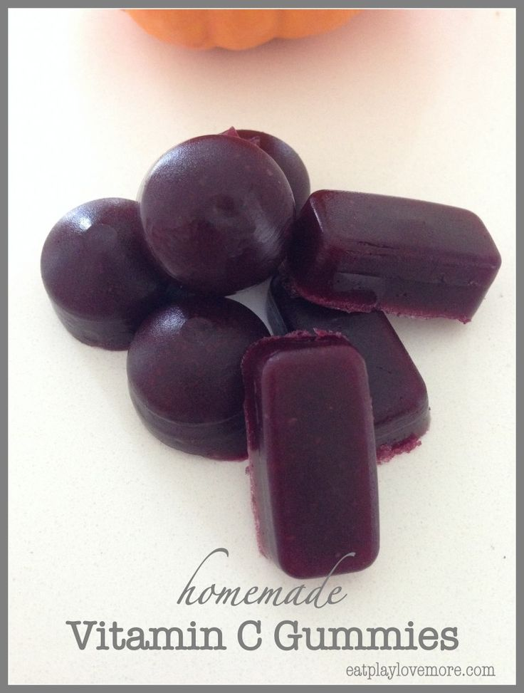 These homemade Vitamin C gummies are a great way to get some xtra vitamins into your kids!
