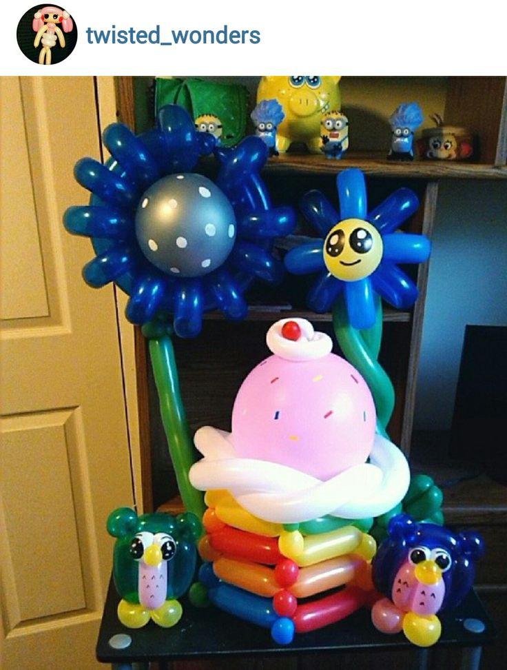 Cupcake balloon centerpiece. #cupcake balloon décor # ...