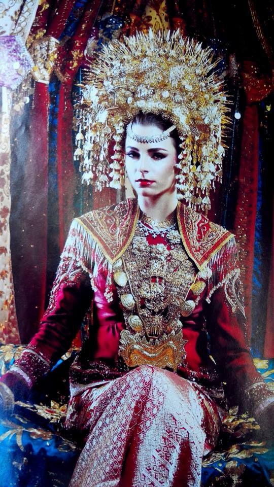 https://bundogroup.com/2015/03/06/minangkabau-bride-west-sumatra/