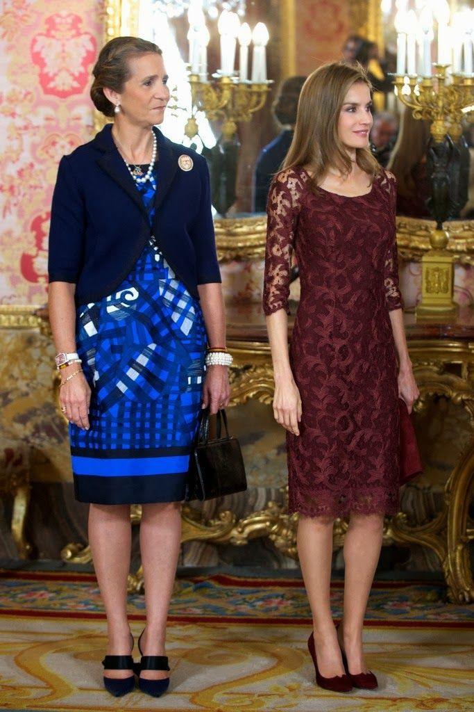 MYROYALS &HOLLYWOOD FASHİON: Spanish Royal Family Celebrates National Day-Infanta Elena and Crown Princess Letizia